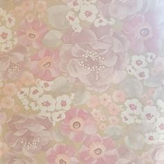 Wallpaper from a house that has such fond memories and where my love of jewellery began.  My Grandad a sailor built a charm bracelet for my Nan collecting trinkets from far away full of loot and surprises.  A barrel a horse a carousel a monkey. Like shiny pieces from a monopoly game only more delicate and precious. And my love of charms began..... -Amanda x  #stillswithstories #colorcolourlovers #pastelaesthetic #youhadmeatpink #livethelittlethings #jewellerylove #mytinyatlas…