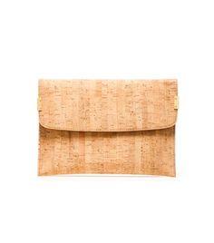 CLIPOVER | Stuart Weitzman #handbags #clutches http://sweitzman.com/CLIPOVER