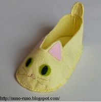 meggiecat: Felt Baby or Doll Shoes