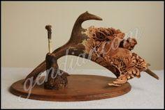carving in antler (rezba v paroží ) Antlers, Wood Carving, Horns, Wood Sculpture, Wood Carvings, Woodcarving, Wood Turning, Carving Wood, Deer Heads