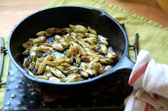 Sauteed Yucca (Yucca Whipplei) flower buds with basalmic vinegar and butter. The taste is quite similar to sauteed Belgium endives. A bit of herbes de provences makes it heavenly. www.urbanoutdoorskills.com