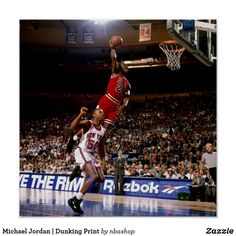 Michael Jordan of the Chicago Bulls jumps to the basket for a slam dunk against the New York Knicks during an NBA game circa 1993 at Madison Square in New York, New York. Michael Jordan Slam Dunk, Mike Jordan, Jordan Bulls, Michael Jordan Basketball, Chicago Bulls, Nba Bulls, Basketball History, Sports Basketball, Basketball Players