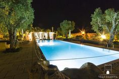 Exclusive and luxurious farmhouse in Puglia, with pool, 4 bedrooms, 6 bathrooms, sleeps 8 to 14 people, beach