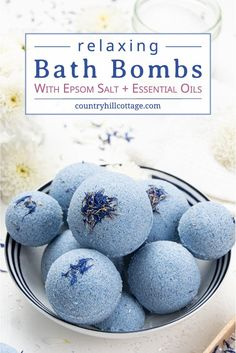 See how to make relaxing bath bombs with Epsom salt! The fizzy relaxation Epsom salt bath bomb recipe is made with natural ingredients and essential oils. Lip Scrub Homemade, Homemade Bath Bombs, Homemade Gifts, Natural Bath Bombs, Lush Bath Bombs, Bath Bomb Recipes, No Salt Recipes, Spirulina, Bath Bomb Storage