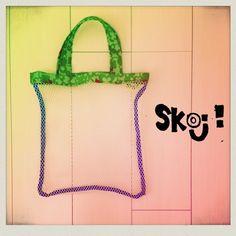 袋はメッシュ素材になってます*遊びに出掛ける時のプレイバッグとしてボールを入れたり★絵本を入れたり♪公園へお出掛けの時はお砂場セットを入れたりと用途は様々です|ハンドメイド、手作り、手仕事品の通販・販売・購入ならCreema。
