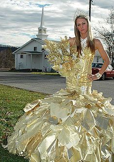 10 Things You Most Likely Didn't Know About Big Fat American Gypsy Wedding Dresses - big fat american gypsy wedding dresses Weird Wedding Dress, Big Wedding Dresses, How To Dress For A Wedding, Custom Wedding Dress, Wedding Bouquets, Gypsy Wedding Gowns, My Big Fat Gypsy Wedding, Gipsy Wedding, Bling Wedding