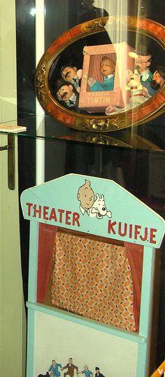 Antiek speelgoed - Kuifje poppenkast en handpoppen Wow. Tintin handpuppets.