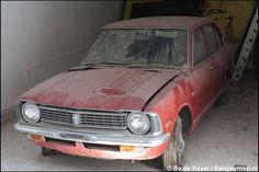 Cyprus UN Buffer Zone Toyota Corolla Abandoned Cars, Abandoned Places, Abandoned Vehicles, Famagusta Cyprus, Junkyard Cars, Barn Finds, Toyota Corolla, Ghost Towns, Car Car