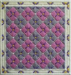 6 Free Bargello Needlepoint Patterns for the Weekend Broderie Bargello, Bargello Needlepoint, Needlepoint Stitches, Needlepoint Canvases, Needlework, Plastic Canvas Stitches, Plastic Canvas Tissue Boxes, Plastic Canvas Crafts, Plastic Canvas Patterns
