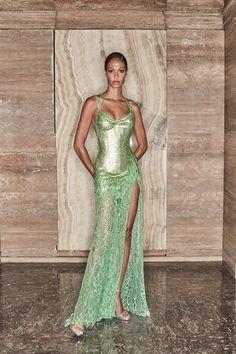 Atelier Versace, Gianni Versace, Versace Versace, Versace Dress, Style Couture, Couture Fashion, Runway Fashion, Fashion Show, Fashion Outfits