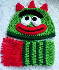 Yo Gabba Gabba beanie and scarf.