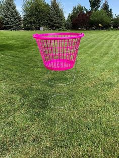 It's summertime and I'm creating things fun things to do with my kids! With some tomato cages and dollar store laundry baskets you can easily make a fun Frisbee golf course for your backyard. You can see more of my crazy creations here You'll Need:Tomato Cages (as many as you want)Dollar Tree Laundry Baskets (the same number as tomato cages)Frisbees or Beach BallsI decided to make 5 Frisbee Golf goals.  The tomato cages I got at Walmart for $2 each and the Dollar Tree baskets w… Backyard Movie Theaters, Tomato Cages, Field Day, Olympic Games, Summer Fun, Summer Time, Summer Parties, Dollar Stores, Things To Do