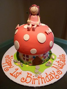 Fairy Toadstool Cake by Cre8acake, via Flickr Giant Cupcakes, Fun Cupcakes, Fondant Cakes, Cupcake Cakes, Toadstool Cake, Mushroom Cake, Fantasy Cake, Dream Cake, Creative Cakes