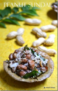 Peanut Sundal Garlic Recipes, Soup Recipes, Cooking Recipes, Indian Vegetarian Dishes, Vegetarian Recipes, Easy Indian Recipes, Asian Recipes, Boil Peanuts Recipe, Sundal Recipe