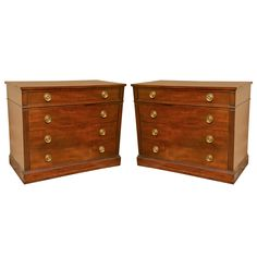 1stdibs.com | Pair of Mahogany Bachelor's Chests by Kittinger
