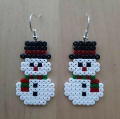 Mini Hama Beads, Diy Perler Beads, Perler Bead Art, Fuse Beads, Hama Mini, Christmas Perler Beads, Beaded Christmas Ornaments, Christmas Crafts, Christmas Snowman