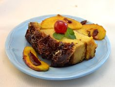 Esta delicia de origen italiano llamada tarantela está formada por gustos opuestos. Cuenta con la acidez de las manzanas que acompañada con la dulzura del caramelo da como resultado una delicia con mucha humedad.