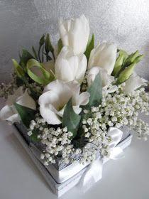 Qualche esperimento con i fiori... mini centro tavola e dei segna posti...