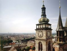 panorama hk vcetne bile veze? ano, z ochozu katedraly