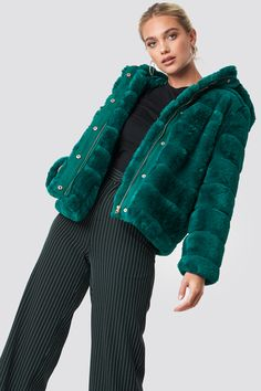 Saba Faux Fur Coat Green - The Saba Jacket by Samsoe & Samose features a soft faux fur on the outside, a short length, two side pockets, a hood, and a zipper and button closure down the front. Cute Jackets, Fall Jackets, Faux Fur Jacket, Fur Coat, Coats For Women, Jackets For Women, Basic Tees, Lingerie Dress, Green Coat