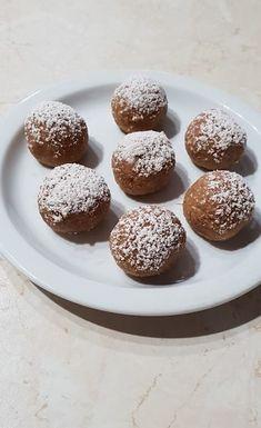 A világ legegyszerűbb almás pite golyó receptje! Egy kis finomság, sütés nélkül! - Ketkes.com Winter Food, Doughnut, Healthy Recipes, Healthy Foods, Food And Drink, Sweets, Bread, Snacks, Cookies