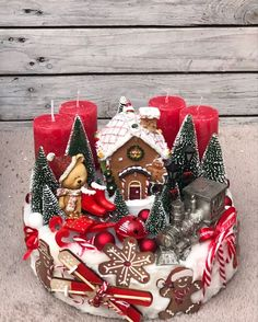 Festive Crafts, Handmade Christmas Decorations, Christmas Centerpieces, Diy Christmas Ornaments, Christmas Projects, Christmas Wreaths, Small Christmas Trees, Christmas Scenes, Christmas Time