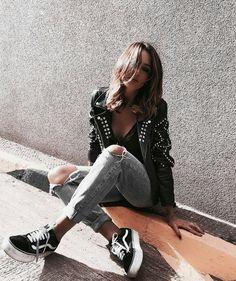 Moda casual femenina style shoes 54 Ideas for 2019 Looks Street Style, Looks Style, Looks Cool, Look Fashion, Urban Fashion, Teen Fashion, Fashion Spring, Womens Fashion, Casual Fall Outfits