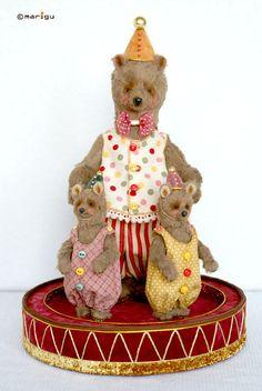Teddy Bears handmade.  Fair Masters - handmade family of circus.  Handmade.
