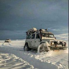 Land Rover Defender 110 Td5 Adventure snow prepared. Live your Life. Lobezno.