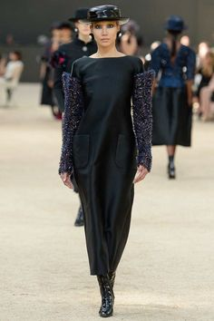 Chanel Fall 2017 Couture Collection Photos - Vogue