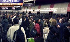Witnesses 'filmed Paris metro knife victim instead of helping him'