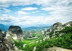 This is why I travel.  While visiting a mountain monastery in Meteora Greece we decided to adventure down the road a bit further. The result was this absolutely stunning view - the closest thing to perfection I have ever seen. Unexpected and unbelievably beautiful.  #PPAdventureAnywhere #visitgreece #travel #travelgirl #travelgram #traveltheworld #adventure #adventuregram #studentuniverse #studentnomad #aroundtheworld #fly #justgo #femaletravel #vsco #studyabroad #backpack #abroad #followme…