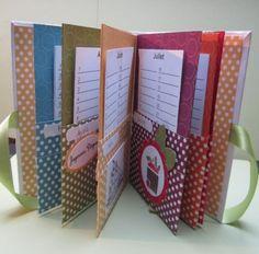 Old Scrapbooking Layouts Graduation Paper Crafts Origami, Cardboard Crafts, Diy Paper, Diy Birthday Reminder, Diy Craft Projects, Diy Crafts, Perpetual Birthday Calendar, Diy Gifts For Mom, Diy Calendar