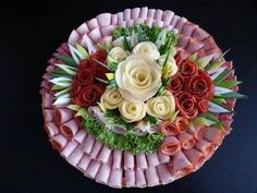 38 Ideas For Meat Platter Ideas Lunches Meat And Cheese Tray, Meat Trays, Meat Platter, Food Platters, Cheese Platters, Appetizer Sandwiches, Finger Food Appetizers, Appetizers For Party, Finger Foods