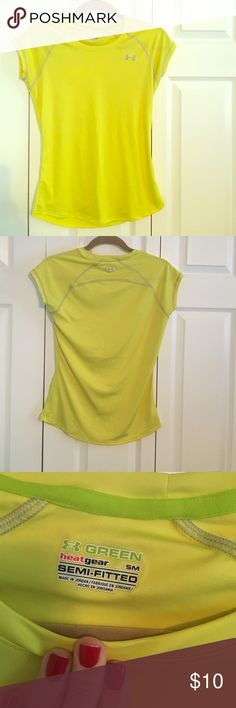 Under Armour Heat Gear Short Sleeve Neon yellow/green heat gear- semi fitted shirt sleeve shirt. 100% recycled polyester, great for runs on a summer day! Worn less than 5 times in great condition! Under Armour Tops Tees - Short Sleeve