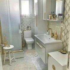 Banyonun sahaneligiii @psikologmahidebingol . .  #bathroom #lavabo #banyodekorasyonum #banyodekorasyonu #evdekorasyonu #dekorasyon #dekor  #homedizayn #homedecoration #banyo #badezimmer  #home #dekorasyon #dekorasyonfikirleri #evdekoru #banyodekoru #vintage #modern #banyotasarım #interiordesign  #icmimar  #evtasarim #country #duzenlii_evim #sahaneduzen#