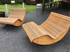 Schaukelsitze in Holz
