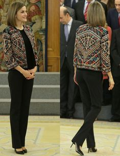 Queen Letizia of Spain Just Perked Up Her All-Black Look With This 1 Piece Batik Fashion, Hijab Fashion, Boho Fashion, Fashion Dresses, Womens Fashion, Ethnic Fashion, Kurta Designs, Blouse Designs, Batik Blazer