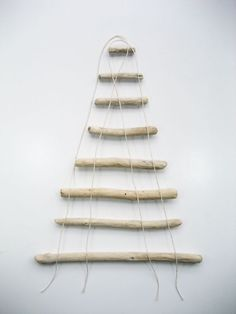 DIY – How to Make a Christmas Tree from Driftwood DIY – How to Make a Christmas Tree from Driftwood,Basteln – Weihnachten DIY – Driftwood Christmas Tree Driftwood Christmas Tree, Hanging Christmas Tree, Outdoor Christmas, Rustic Christmas, Christmas Fun, Stick Christmas Tree, Christmas Projects, Christmas Crafts, Christmas Ornaments