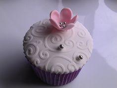 Sample wedding cup cakes flower 2 by Sugar Pot, via Flickr