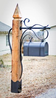 Flowing Winds Mailbox – Phillips Metal Works Gardens are not just for lawns… - Modern Farmhouse Mailboxes, Rustic Mailboxes, Unique Mailboxes, Craftsman Mailboxes, Mailbox Makeover, Diy Mailbox, Mailbox Garden, Metal Mailbox, Mailbox Ideas
