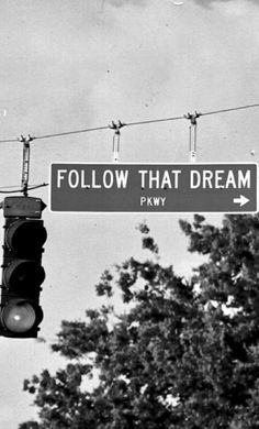 ♥♥ |       Follow That Dream Pkwy ~ 7 mile stretch of Florida hwy 40, running from Inglis through Yankeetown to the Gulf of Mexico (named for the eponymous Elvis Presley movie filmed in the area in 1961 ☛ http://iml.jou.ufl.edu/Homepages/f2000/Clark/page1.htm ☛ http://beachbummz.blogspot.ca/2010/12/elvis-and-follow-that-dream-parkway.html • photo: mryoungmillionaire on Flickr