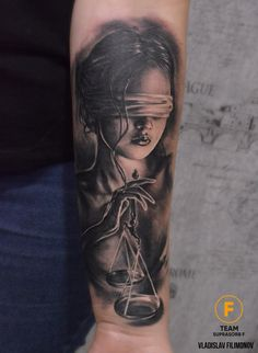 Photo tattoo Vladislav Filimonov - Themis with weights old school frases hombres hombres brazo ideas impresionantes japoneses pequeños tattoo Forarm Tattoos, Forearm Tattoo Men, New Tattoos, Body Art Tattoos, Leg Sleeve Tattoo, Best Sleeve Tattoos, Justitia Tattoo, Girl Face Tattoo, Gangsta Tattoos