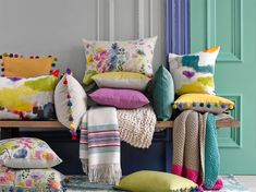 Spring 2016 Interior Design Trends: The Magic of Throw Pillows