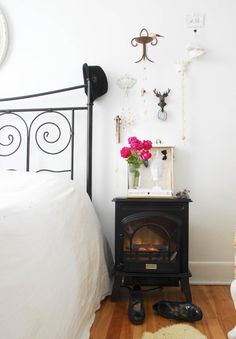 Common Items as Unusual Bedside Tables - Is this a fire hazzard? If not, I LOVE the idea of this for our basement bedroom! Decor, Unusual Bedside Tables, Bedroom Decor, Room Transformation, Home, Interior, Tiny Bedroom, Bedroom Renovation, Home Decor