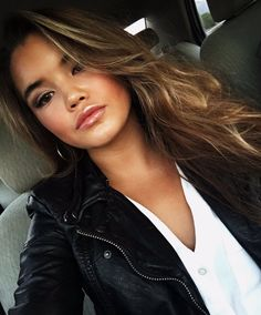 Paris Berelc, Friends Moments, Beautiful Celebrities, Pretty People, Pretty Girls, Celebrity Style, Hair Color, Celebs, Long Hair Styles