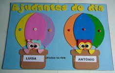 Cartaz de ajudantes do dia feito em e.v.a no tema corujinhas.  Medida para as fichas dos nomes: 11,5cm x 6cm  Ideal para sala de aula. R$ 36,00