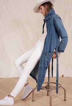 "madewell rivet & thread denim duster coat worn with the shuffle garmet-dyed sweateshirt, 9"" high-rise skinny jeans, brixton® juniper felt fedora + vans® sk8-hi high-top sneakers."