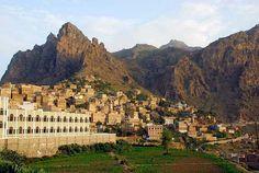 Al Hajjarah, un antiguo pueblo con masivos edificios en Yemen