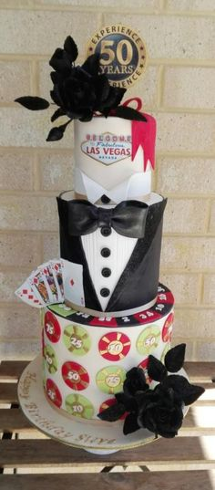 Casino glam with a sparkle. - Cake by Bistra Dean James Bond Cake, James Bond Party, Game Night Parties, Casino Theme Parties, Casino Party, Beautiful Cakes, Amazing Cakes, Wonderful Pistachios, Casino Cakes